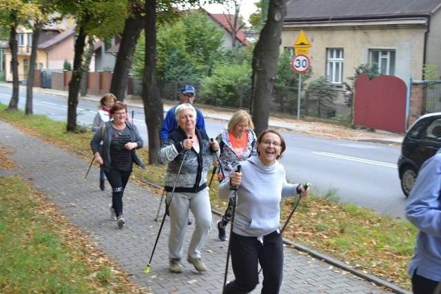 Mieszkańcy Jaworzna chętnie biorą udział w rajdach nordic walking