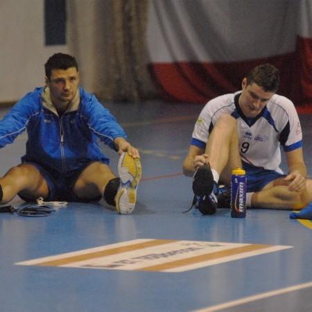 Miny atakującego GTPS Marcina Olichwera (z lewej) i środkowego bloku Marcina Kudłacika mówią wszystko: nie tak miał wyglądać w wykonaniu gorzowian początek pierwszoligowego sezonu...