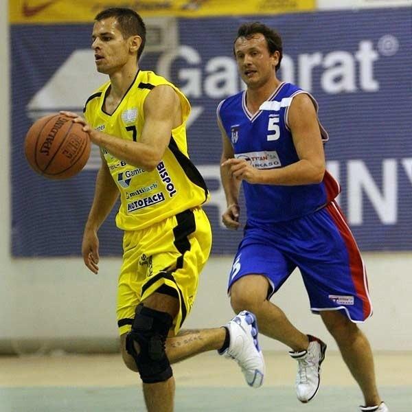 W Łańcucie Sokoła czeka ciężkaprzeprawa z Basketem. NzMichał Baran, rozgrywającynaszej drużyny.