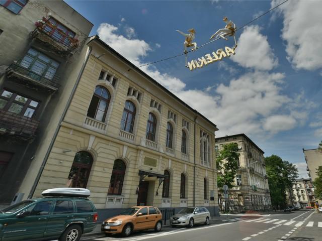16.06.2015 lodz ul. wolczanska teatr arlekinnz. fot. pawel lacheta/ express ilustrowany/ polska press