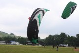 Paralotnie i ogromne latawce na lotnisku w Masłowie (zdjęcia)