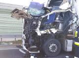 Łyski: Wypadek na trasie ekspresowej S8. Zderzyły się dwa pojazdy ciężarowe [ZDJĘCIA]