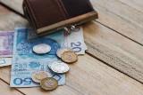OPZZ chce podwyżki płacy minimalnej o 500 zł. Pracodawcy chcą jej regionalizacji
