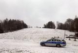 Tłumy na stoku narciarskim w Koszałkowie-Wieżycy. Policja poinformowała sanepid. Sprawa trafiła do prokuratury w Kartuzach