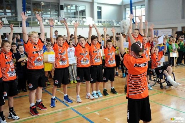 Tak cieszyli się ze zwycięstwa w turnieju młodzi zawodnicy Kormorana Sieraków