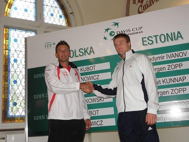 Liderzy drużyn Łukasz Kubot i Jurgen Zopp zmierzą się w niedzielę.