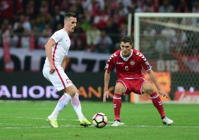Kontuzja Milika nie pozwoliła mu dokończyć pierwszej połowy meczu z Danią
