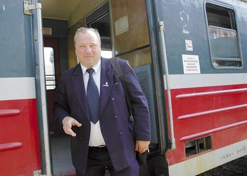 - Nasz pracodawca, zwalniając ludzi złamał porozumienie. Nie ma na to przyzwolenia - mówi szef zakładowej Solidarności i kierownik pociągu z Rzepina Zbigniew Spurgiasz.