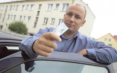 Gorzowianin Maciej Bałuczyński też miał problemy przez kombinatora, który podał kontrolerom jego dane. - I chociaż od lat jeżdżę samochodem, musiałem dowodzić, że nie jestem gapowiczem - opowiada.