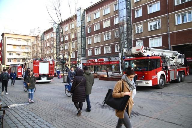 Mocne zróżnicowanie warszawskiej oferty biurowej odzwierciedla także znaczna rozpiętość stawek czynszowych. Najdroższe biura w Warszawie są niemal czterokrotnie droższe od najtańszych oferowanych powierzchni.