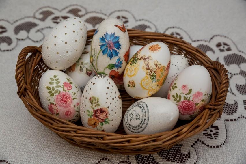 Jajka jako symbol nowego życia. To nimi dzielimy się w...