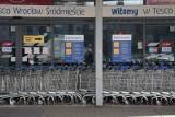 Koniec Tesco. Sieć opuszcza Polskę. Sklepy na sprzedaż