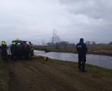 Zaginął Kazimierz Żarski. Nadal trwają poszukiwania 72-letniego mężczyzny z Brańska. Policja przeszukała rzekę Nurzec [ZDJĘCIA]
