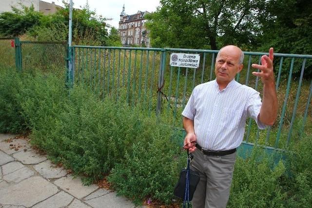 Wojciech Michalski, dyrektor Zespołu Szkół Muzycznych, zaznacza, że do przenosin na Wildę jeszcze daleko.
