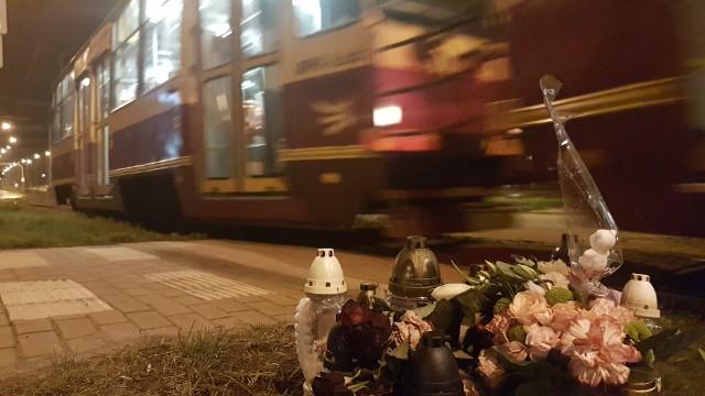 Śmiertelny wypadek na Kopcińskiego w Łodzi. 9-letnia dziewczynka zginęła pod tramwajem. Czy na przejściu śmierci staną wreszcie światła?