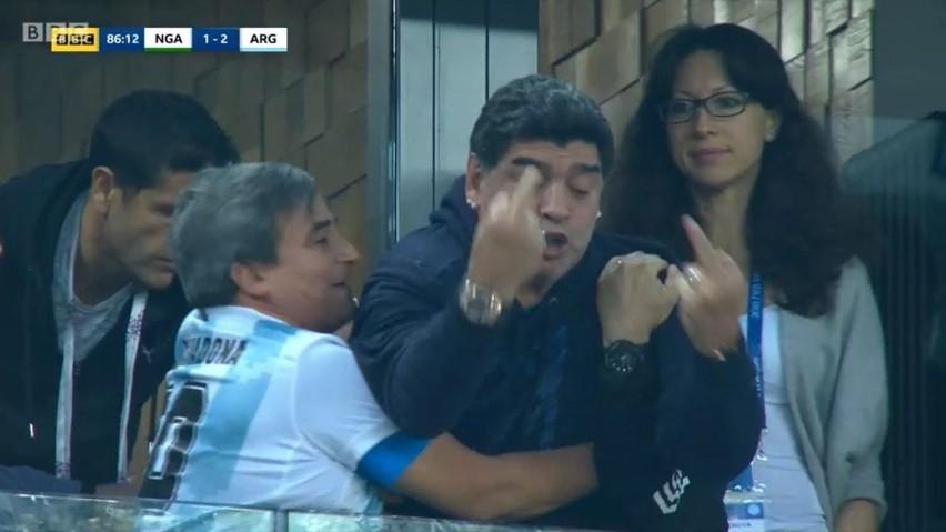 Diego Maradona w czasie meczu Nigeria - Argentyna
