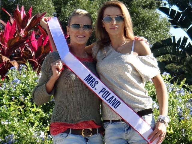 Monika Goździalska (z prawej) z  szarfą miss Polski mężatek