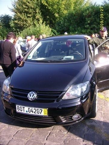 VW Golf, 2005 r. 2,0 TDI, ABS, centralny zamek, elektryczne szyby i lusterka, immobiliser, klimatyzacja, 8x airbag, 38 tys. 800 zl + oplaty
