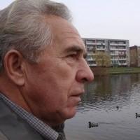 - To cudowne miejsce. Jest tu cicho, spokojnie, mamy jeziorko. Ełczanie z innych osiedli mogą nam pozazdrościć - mówi Jan Kamjanowski.