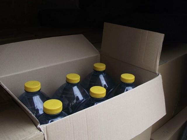 400 butelek spirytusu przewoził mężczyzna w mercedesie
