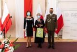 Podkarpaccy nauczyciele nagrodzeni i odznaczeni podczas wojewódzkiej uroczystości z okazji Dnia Edukacji Narodowej [ZDJĘCIA]