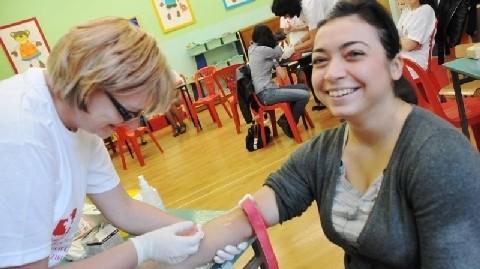 - To nic nie boli - zapewnia Jolanta Zenker, która w sobotę przyszła do przedszkola przy al. Niepodległości w Zielonej Górze, by zarejestrować się w banku dawców szpiku kostnego