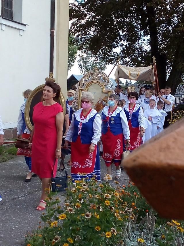 Mimo pandemii, 24 sierpnia odbyły się dożynki parafialne w kościele parafialnym w Bronisławiu (gm. Dobre, powiat radziejowski).