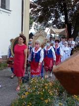 Dożynkowe wieńce. Tradycja to rzecz święta, mówią gospodynie z Bronisławia