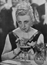 Retrokuchnia: Mdlała, spazmowała, a potem zajadała się tortem...
