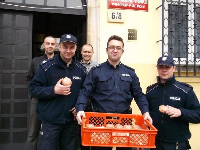 Funkcjonariusze z Komisariatu Policji Wrocław-Psie Pole zgłosili się do konkursu już wcześnie rano