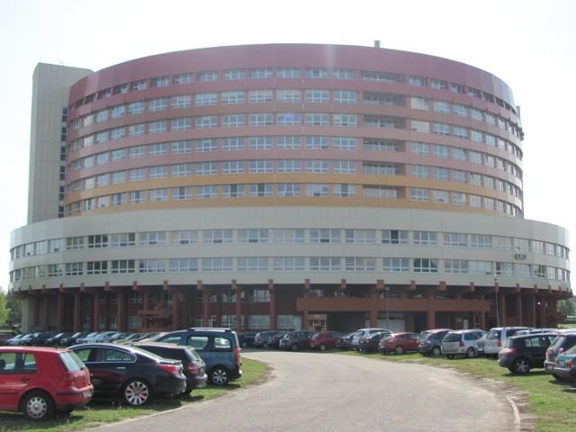 Mężczyzna wyskoczył z jedenastego piętra kaliskiego szpitala.