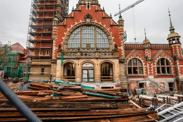 Remont zabytkowego gmachu dworca PKP Gdańsk Główny rozpoczął się w pierwszej połowie 2020 r.
