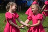 100 niezwykłych zdjęć tancerek z zespołu Buziaki w trakcie festynu w Baczynie na rzecz hospicjum w Gorzowie
