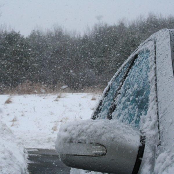 Przepis dotyczący zimowych opon obowiązuje od 1 listopada do końca kwietnia.