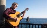 Brazylijski mistrz gitary w Starym Domu w Domecku