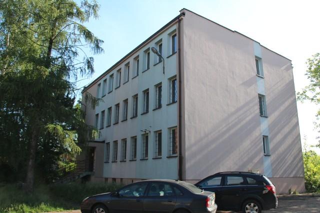 Tak dziś wygląda budynek przy ul. Hetmańskiej, w którym do 2012 roku funkcjonował komisariat, a potem posterunek Zobacz kolejne zdjęcia/plansze. Przesuwaj zdjęcia w prawo - naciśnij strzałkę lub przycisk NASTĘPNE