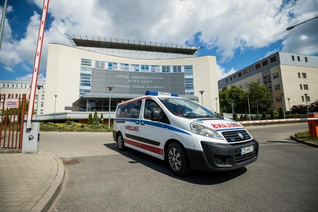 Szpital Uniwersytecki nr 1 im. Jurasza w Bydgoszczy poinformował o częściowym przywróceniu odwiedzin pacjentów od 1 czerwca. Częściowym, bo odwiedzjący muszą dostosować się do długiej listy zasad - w związku z pandemią koronawirusa.