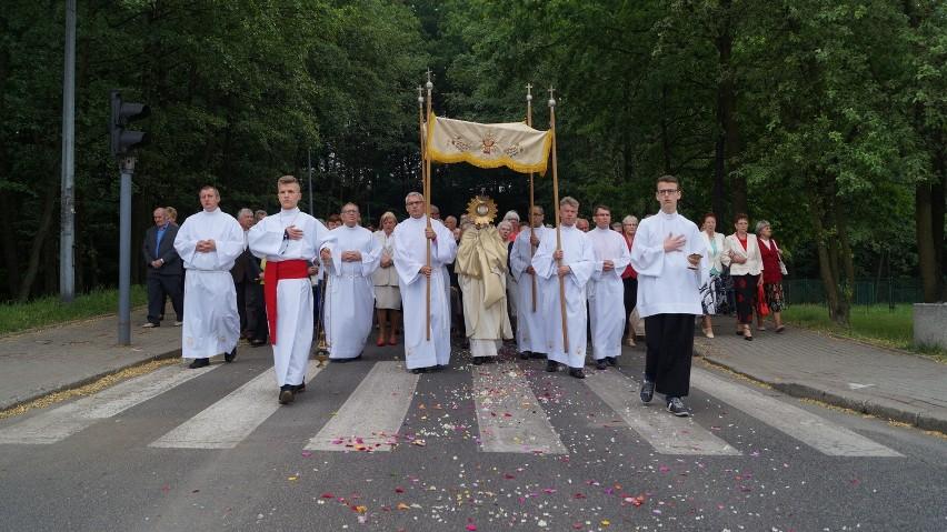 Boże Ciało w Jastrzębiu: tłumy na procesji