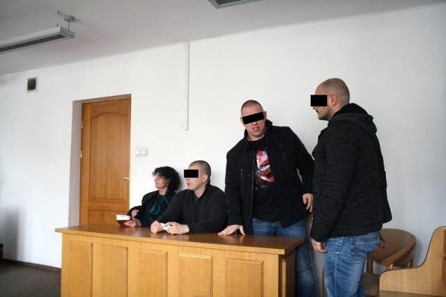 Oskarżeni podczas procesu w 2014 roku. Od lewej: Tomasz P., Paweł M. ps. Misiek i Grzegorz Z