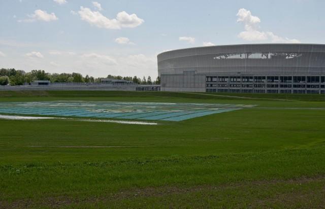 Aleja Śląska 3 (tzw. dziura przy stadionie)