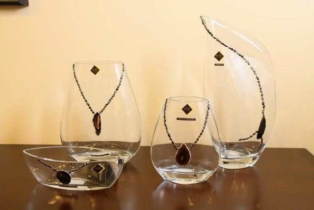 Tak wygląda szkło artystyczne, zdobione szlachetnymi kamieniami. fot. D. Łukasik