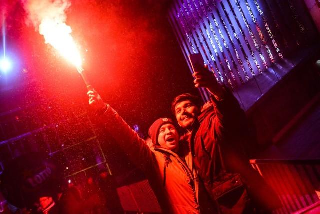 Rok temu lublinianie witali Nowy Rok na placu Teatralnym przed Centrum Spotkania Kultur