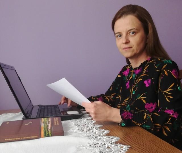 Anna Masztakowska – Struś uczy informatyki i techniki oraz opiekuje się kołem przedsiębiorczości