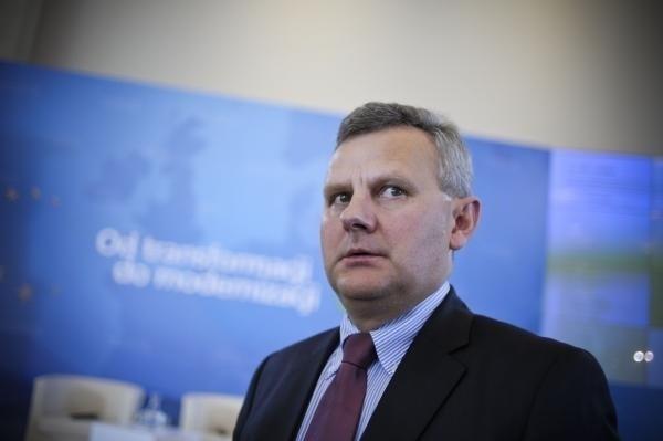 Były minister skarbu pokieruje budową polskiej energetyki jądrowej