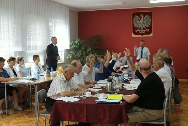 Zbigniew Seniów będzie wójtem przez kolejne 5 lat, a w radzie gminy zasiądzie 14 osób z jego komitetu.