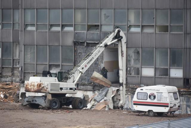 Rozbiórka biurowca DOKP w Katowicach