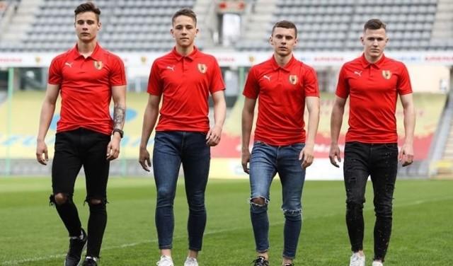 Czterech piłkarzy Korony Kielce przedłużyło kontrakty.