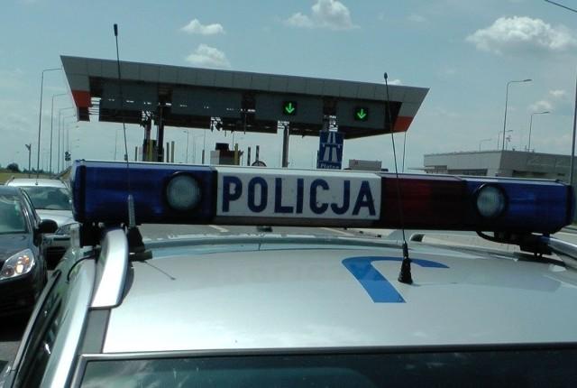 Policja zatrzymała 43-letniego mieszkańca woj. śląskiego, który miał prawie 2 promile alkoholu w organizmie.