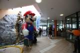 """Fani Nintendo opanowali """"Szklaną pułapkę"""" w Zielonej Górze. Grali w największe hity [ZDJĘCIA]"""