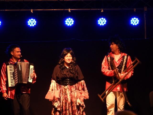 Na Więcborskiej Scenie Letniej wystąpił Kabaret Jurki